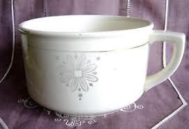 pot de chambre ancien vase de nuit pot de chambre ancien en faïence boch freres la