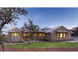 country style ranch house plans hill country fusion hwbdo75774 ranch from builderhouseplans