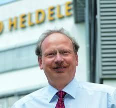 <b>Georg Thomas</b>, Leiter des Kmpetenz-Center Technology - 1328602810-95-georg-thomas