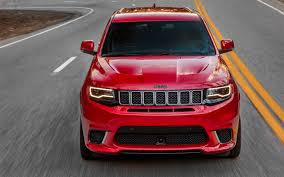 jeep range rover 2018 comparison jeep grand cherokee trackhawk supercharged 2018 vs