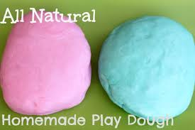 homemade idea to keep the kids busy play dough