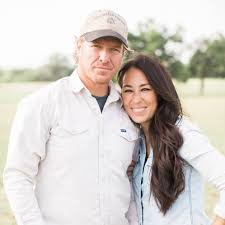 chip gaines of hgtv u0027s fixer upper bio