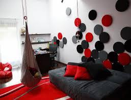 wandgestaltung rot haus renovierung mit modernem innenarchitektur kühles wohnzimmer