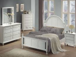 White Distressed Bedroom Furniture Distressed White Cottage Bedroom Furniture Therobotechpage