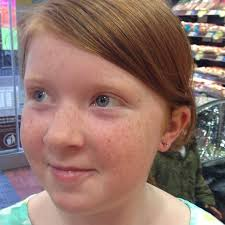 48 do earrings hurt does it hurt when you get your ears pierced