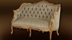 canap style ancien canapé 2 places style louis xv doré à l ancienne tapisserie soie