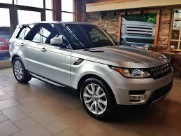 kereta range rover who makes range rover