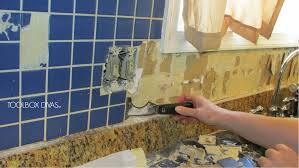 Kitchen Without Backsplash Tile Removal 101 Remove The Tile Backsplash Without Damaging The