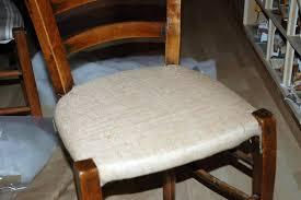 refaire l assise d une chaise tuto chaises ou comment retapisser une chaise en paille ou autre