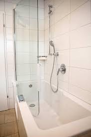 Creativ Bad Duschbadewanne Mit Tür Im Hellen Bad Aalen 73423