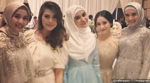 wedding dress nagita slavina nagita dan ngobrol cantik netter ayu ting ting berani gini