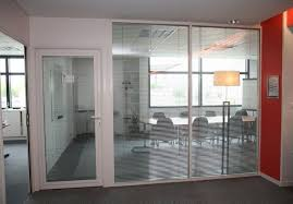 cloison verre bureau pose de cloisons amovibles et cloisons modulaire sur orléans et sa