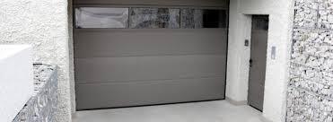 portoni sezionali hormann portone sezionale h纐rmann lpu 40 con porta pedonale laterale