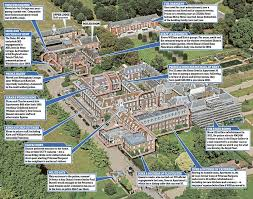 where do prince william and kate live eugenie s moving in to kensington palace with william harry and