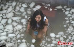 Challenge Bath Bath Challenge In Freezing Temperatures 2 4 Headlines