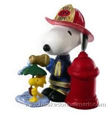 2009 spotlight on snoopy hallmark keepsake ornament at hooked on