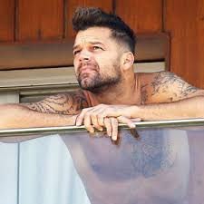 ricky martin shows off his body wearing only boxers u2014see the