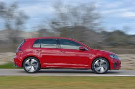 red volkswagen golf vw golf 7 facelift autobild de