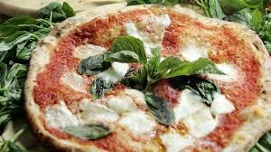cuisine patrimoine unesco la pizza napolitaine veut être inscrite au patrimoine mondial de l