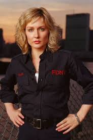 amy carlson new short haircut on blue bloods amy carlson third watch favorite tv shows actors and
