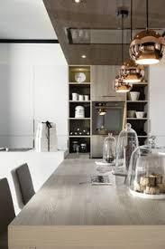 photos de cuisine moderne chaise mobalpa un tabouret de bar coloré pour la cuisine moderne