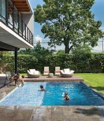 Backyard Pool Images by Impressive Design Of A Modern Glass And Concrete Pool House In
