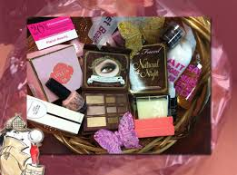 beauty gift baskets win a 350 planet beauty gift basket toofab