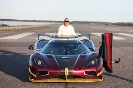 koenigsegg concept koenigsegg agera rs beats bugatti chiron in 0 249 0 mph run