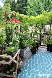 Backyard Porches And Decks by Best 20 Small Backyard Decks Ideas On Pinterest Back Patio