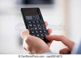 calculatrice graphique bureau en gros personne gros plan calculatrice tenue calcul personne image