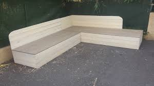 fabriquer un canapé d angle fabriquer un canape d angle 4 banquette de jardin en bois de