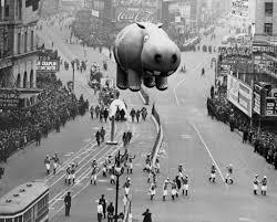 thanksgiving kansas city hippo balloon floating at the thanksgiving day parade i don u0027t