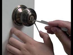 how to pick a bedroom lock picking a twist knob door lock youtube