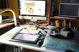 bureau dessinateur philippe larbier un auteur de bd tourangeau dans sa bulle 37 degrés