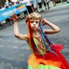 mom shuts down haters of her 8 year old u0027s pride march parenting
