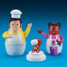 amazon disney higglytown heroes baker u0026 twinkle toy toys