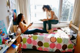 Bedroom Furniture For College Students by Hey Freshmen What To Bring And Not To Bring To College