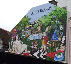 brighton street art graffiti alice dreams brighton 2017 brighton street art graffiti alice dreams