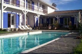 chambre hote andernos maison à andernos les bains en gironde en aquitaine avec piscine