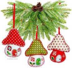 6 fabric handmade tree decorations easy printed