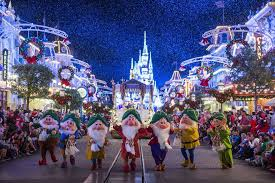When Is The Parade Of Lights Best Holiday Parade Winners 2016 10best Readers U0027 Choice Travel Awards