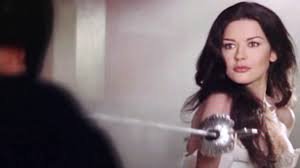 cathrine zeta sword fight scene eléna catherine zeta jones the mask of