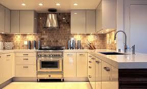 les meubles de cuisine l éclairage sous les meubles de cuisine entre style et