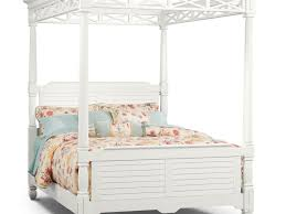 Value City Furniture Bedroom Sets by Bedroom Sets Plantation Cove White Canopy Queen Bed Value