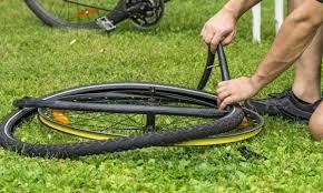 changer chambre à air vtt changer une chambre à air de vélo en 3 é trucs pratiques