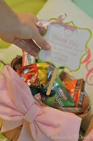 delivery gift baskets best 25 gift baskets ideas on gifts