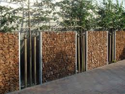 cloture jardin bois clôture de jardin pas chère originale et design fences garden