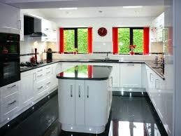 plan de cuisine moderne avec ilot central cuisine moderne blanche cuisine blanche avec plan de travail noir