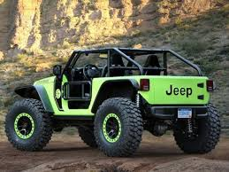 jeep hellcat truck jeep unveils 707 horsepower hellcat wrangler and pickup truck
