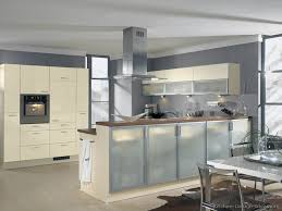 white kitchen cabinets with grey walls kitchen with white cabinets white and light gray granite lowes white